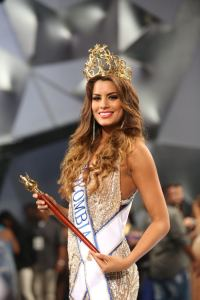 Columbia's 22-year-old Paulina Vega is crowed Miss Universe at the 2015 pageant in Miami, Florida on Sunday, January 25th. Photo Credit: eluniversal.com