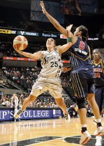 Becky Hammon shoots the ball in a WNBA game against Phoenix Mercury. Photo Credit: Sports Illustrated
