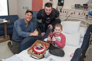 Chris Evans dressed up as Captain America for the patients at Seattle Children's Hospital on Saturday, March 7. Photo Credit: celebrity.yahoo.com