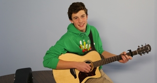 "Shawn Mendes sings ""As Long As You Love Me"" on his first Vine post. Photo Credit: Vine"