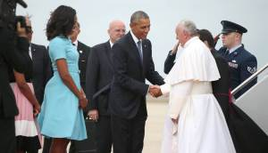 Pope Francis shakes hands with President Obama upon landing in the United States. Photo Credit: NBC News